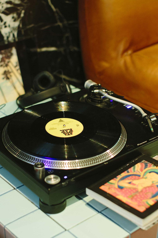 Event-DJ Markus Rosenbaum Plattenspieler